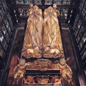 Tomb effigies of Henry VII and Elizabeth of York